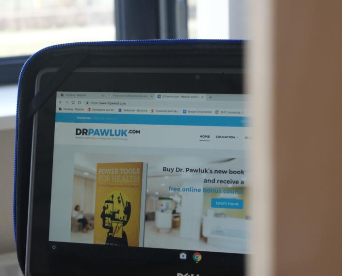 Dr Pawluk @ drpawluk.com
